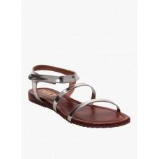 Deals, Discounts & Offers on Foot Wear - Flat 40% Off on Top Branded Footwears