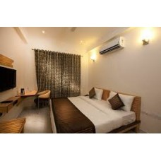 Deals, Discounts & Offers on Hotel - Flat 30% off on OYO Pan India. - Min. Tariff INR1599