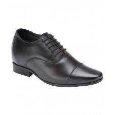 Deals, Discounts & Offers on Foot Wear - Flat 23% offer on Men's Footwear