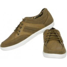 Deals, Discounts & Offers on Foot Wear - Randier Casual Shoes