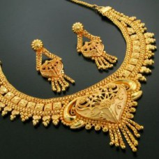 Deals, Discounts & Offers on Women - Flat 75% off on 24crt Pure Gold Forming Heavy Party Wear Set