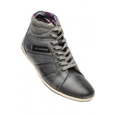 Deals, Discounts & Offers on Foot Wear - Mens Casual Shoes Offer