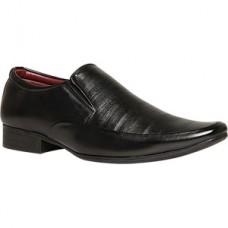 Deals, Discounts & Offers on Foot Wear - Get flat 50% Off on Foot Wear