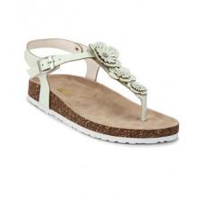 Deals, Discounts & Offers on Foot Wear - Flat 30% off on Sandals foot Wear