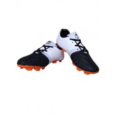 Deals, Discounts & Offers on Foot Wear - Flat70% off on Port Panther Football Shoes