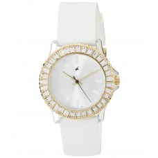 Deals, Discounts & Offers on Women - Fastrack 9827PP01 Women's Watch
