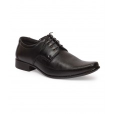 Deals, Discounts & Offers on Foot Wear - Leather King Guneine Leather Formal Shoes