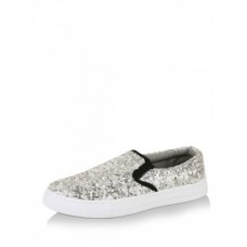 Deals, Discounts & Offers on Foot Wear - 30% Flat OFF on Summer Shoes