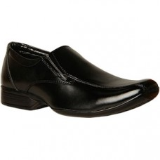 Deals, Discounts & Offers on Foot Wear - Get flat 40% Off* on Shoes