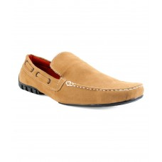 Deals, Discounts & Offers on Foot Wear - Flat 30% off on Zapatoz Tan Loafers