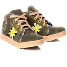 Deals, Discounts & Offers on Foot Wear - Minimum 60% off on Kids Footwear