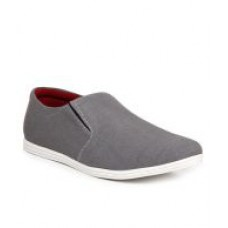 Deals, Discounts & Offers on Foot Wear - Zapatoz Gray Loafers