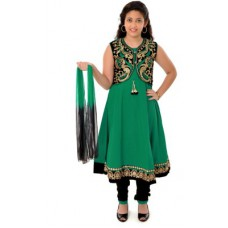 Deals, Discounts & Offers on Kid's Clothing - Saarah Solid Kurta & Churidar