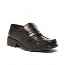 Deals, Discounts & Offers on Foot Wear - Flat 14% off on Zapatoz Black Formal Shoes