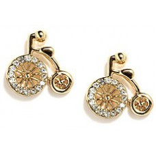 Deals, Discounts & Offers on Earings and Necklace - Stylish Earrings at Rs 99 only
