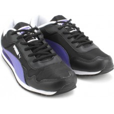 Deals, Discounts & Offers on Foot Wear - Flat 50% off on Running Shoes