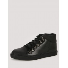 Deals, Discounts & Offers on Foot Wear - Offer 25% Off on Shoes