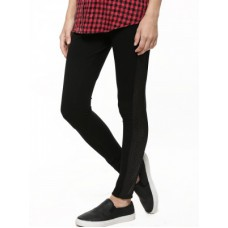 Deals, Discounts & Offers on Men Clothing - Leggings Starting at Rs. 495