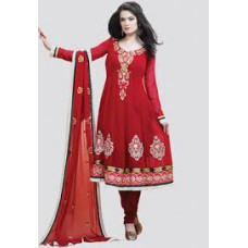 Deals, Discounts & Offers on Women Clothing - Extra 40% Cashback Offer on Matrials Clothing