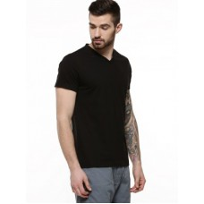 Deals, Discounts & Offers on Men Clothing - Trendy T-shirts at Rs.395