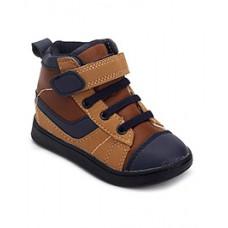 Deals, Discounts & Offers on Foot Wear - Flat 45% OFF on Footwear