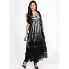Deals, Discounts & Offers on Women Clothing - Flat 50% Off on Over 1,00,000 Styles