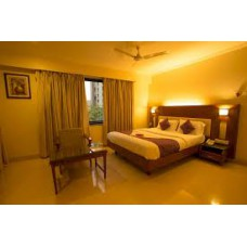 Deals, Discounts & Offers on Hotel - Best offer in Nainital, Mussoorie, Rishikesh, Dehradun : OYO Rooms starting at INR 899.